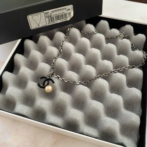 AUTH Chanel Black Collier CC Pearl necklace